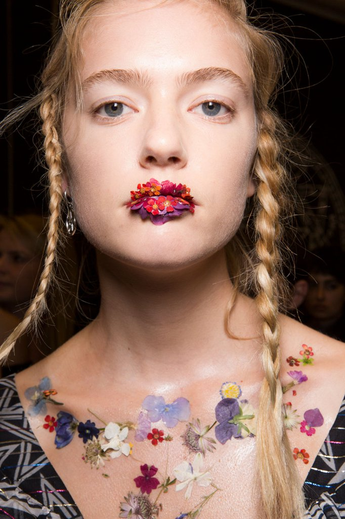 hair-makeup-preen-spring-2017