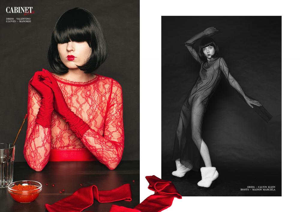 Слева: платье Valentino, перчатки Manokhi; Справа: платье Calvin Klein, ботинки Maison Margiela