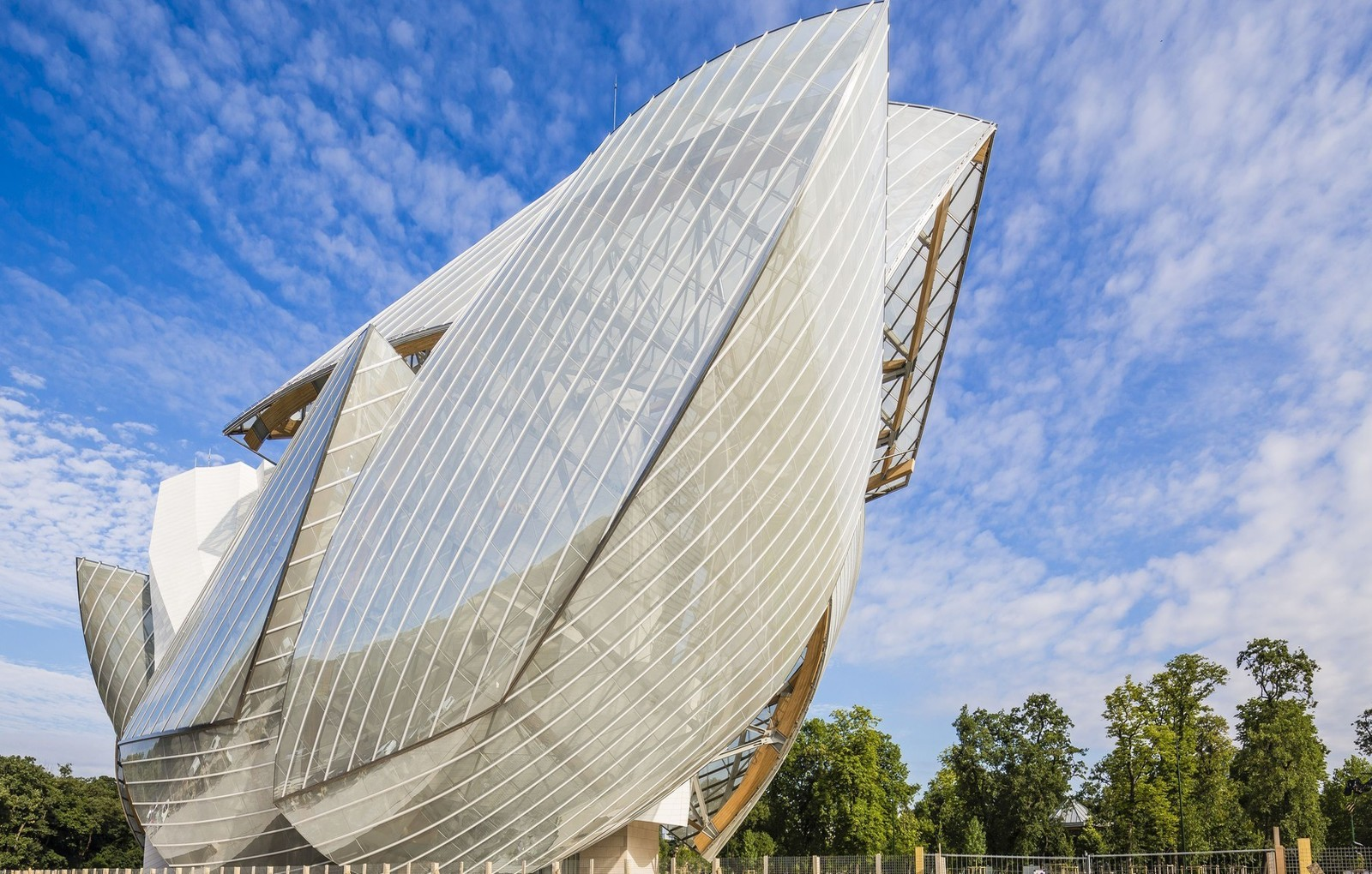 France, Paris, fondation Louis Vuitton by architect Franck Gehry