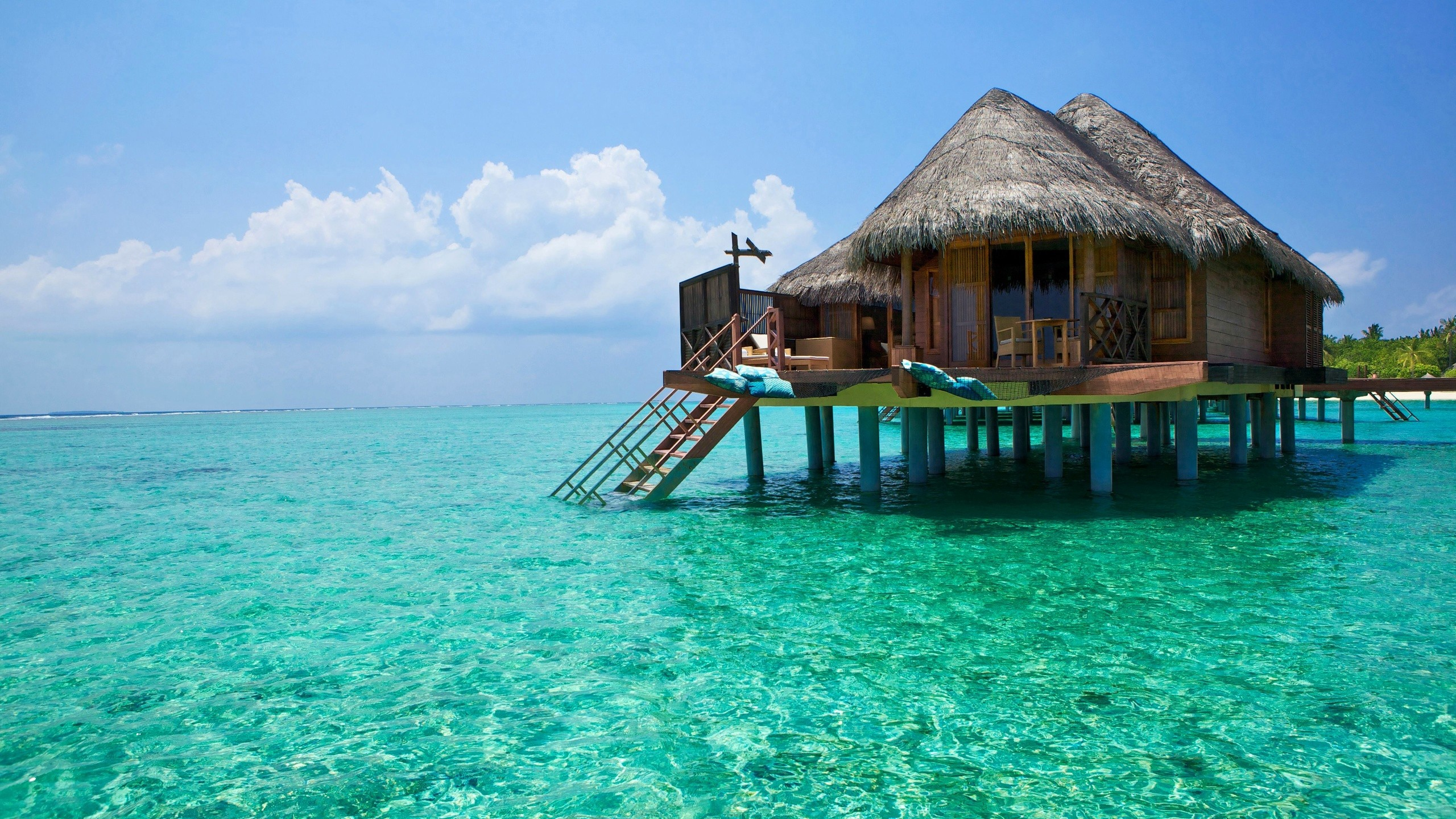 bali_island_ocean_bungalows_96267_2560x1440