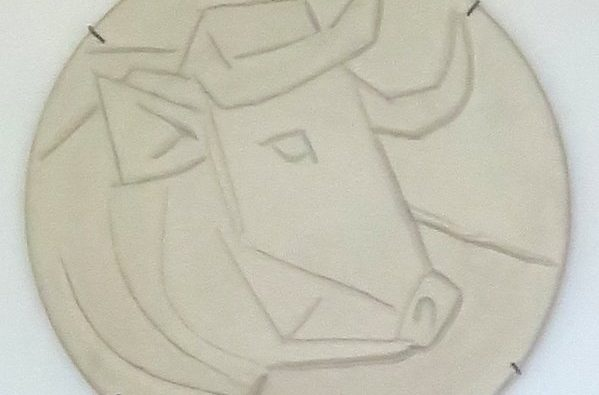 Marble_bull's_head_by_Picasso,_Ernest_Hemingway_House_